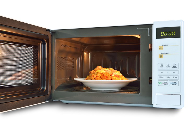 6 Foods You Should Not Reheat In The Microwave Daily