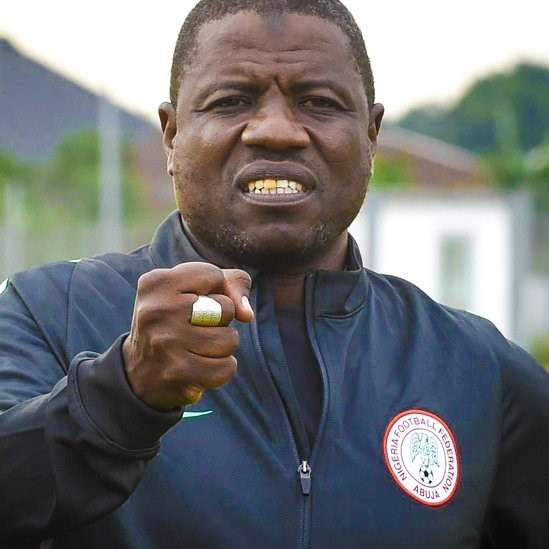 2ff3366d3 Nigeria s Coach Salisu Caught on Tape collecting bribe to field players