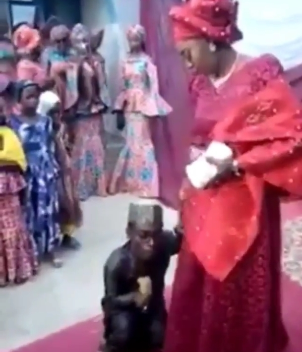 Shocking Beautiful Lady Weds Little Man With Disability See Video-2793